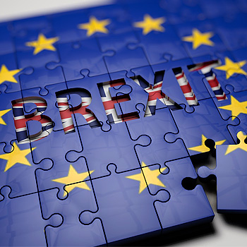 Stelle dell'Unione Europea con all'interno scritta Brexit